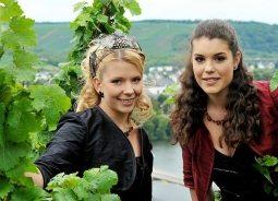 Weinkönigin Anna Burg & Prinzessin Nina Thielen