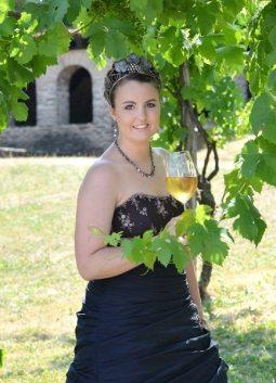 Weinkönigin Lorena I.