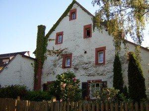 Treppengiebelhaus (Moselpromenade)