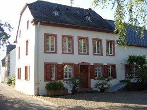 Winzerhaus - giebelständiger Streckhof (Kirchenweg)