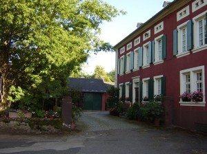 Winzerhaus - traufständiges Quereinhaus (Mühlenstr.)