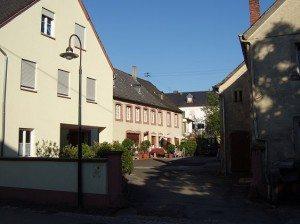 Winzerhof - Dreiseitgehöft (Bachstr.)